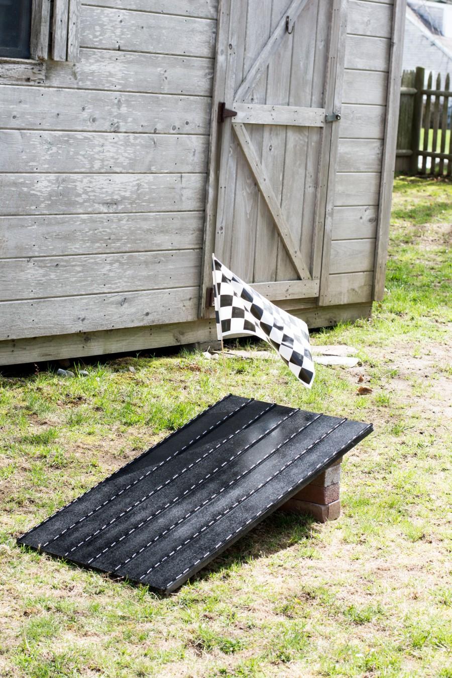 Let's Fete Race Track